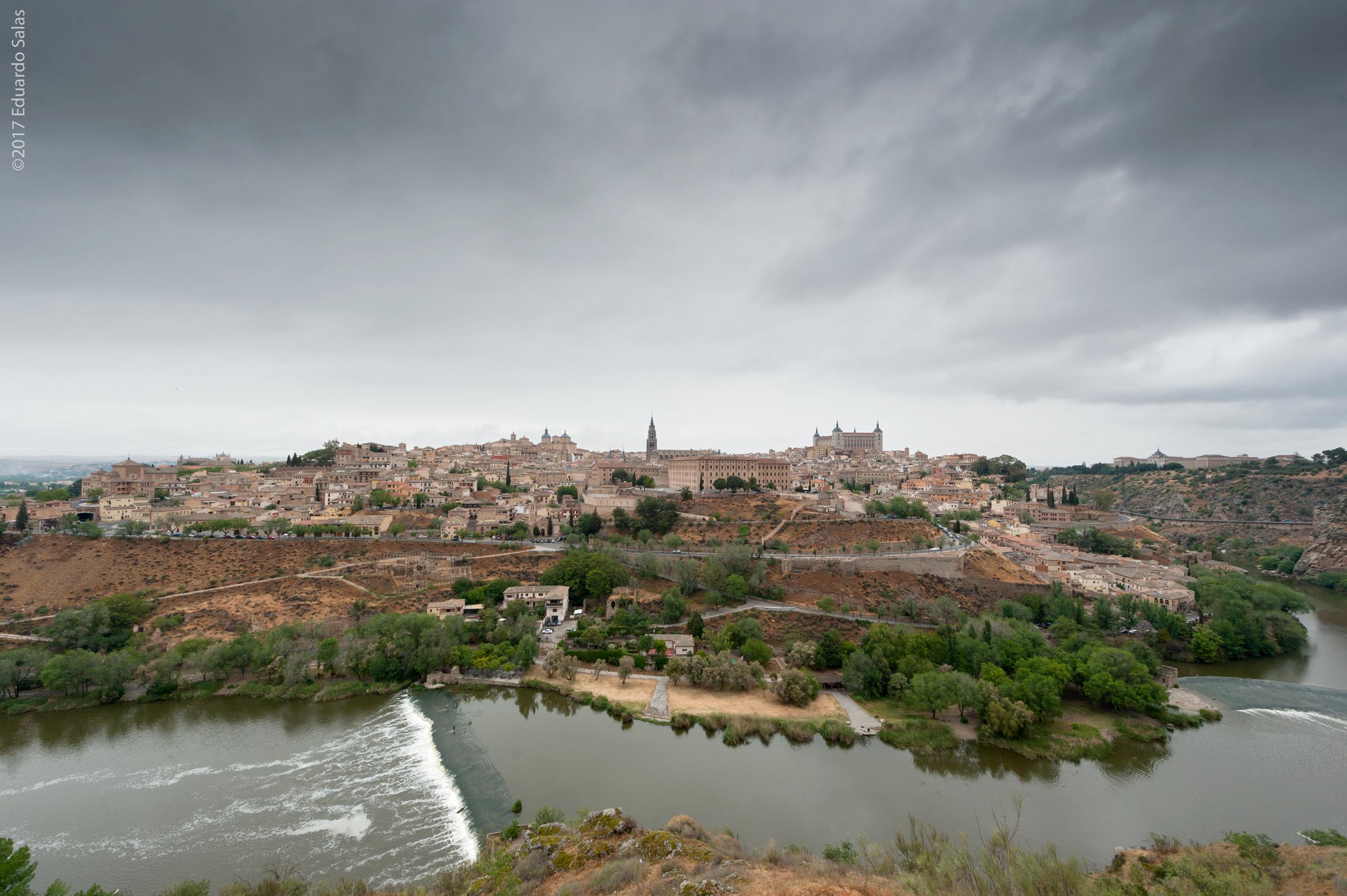 llueve-en-toledo_33534617943_o