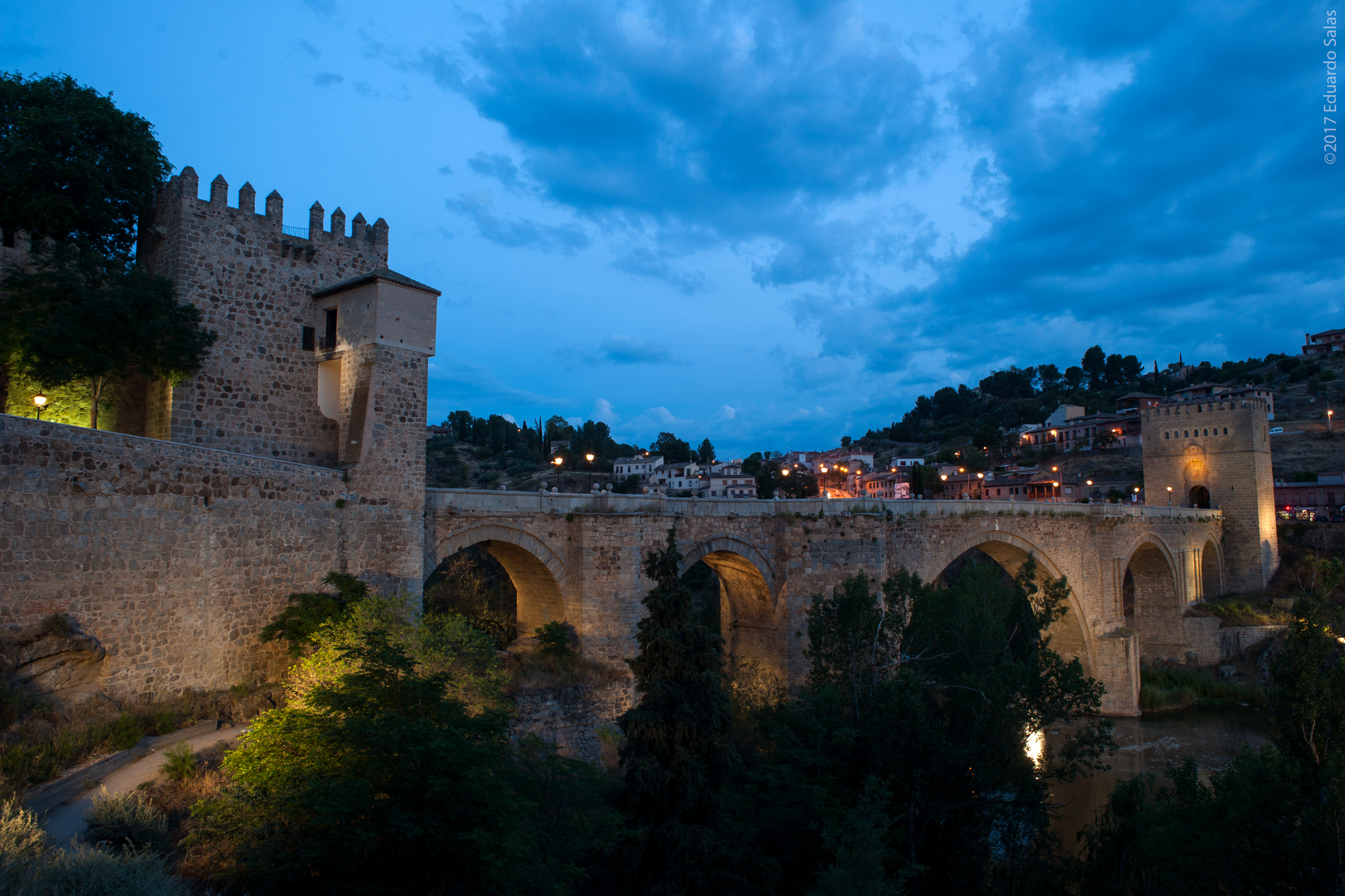 puente-fortificado-de-san-martn_34700507750_o